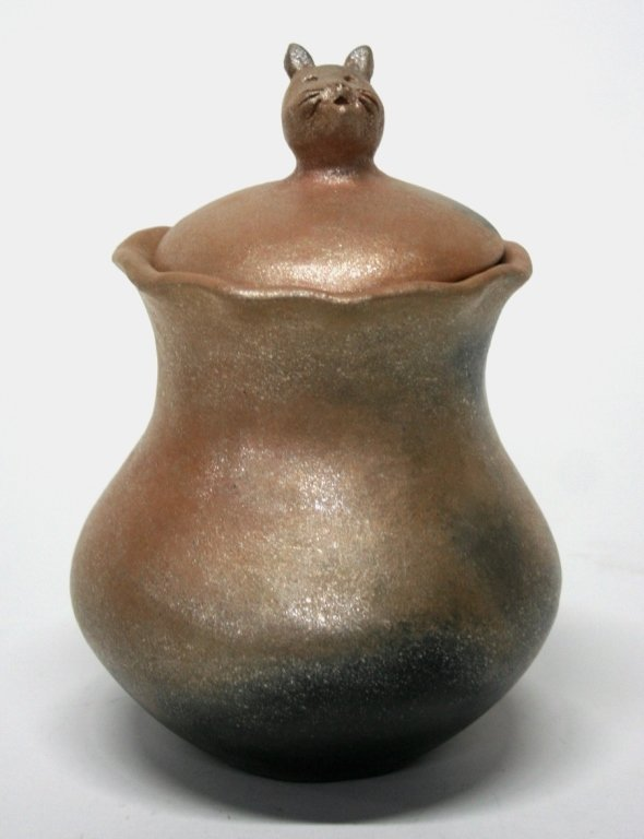 Anthony Durand Micaceous Slip Cat Pottery Jar.