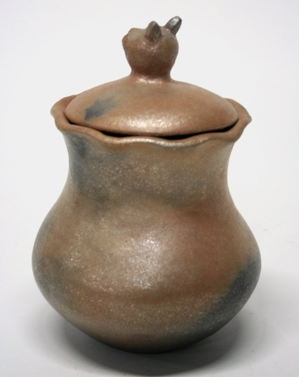 Anthony Durand Micaceous Slip Cat Pottery Jar. - 3