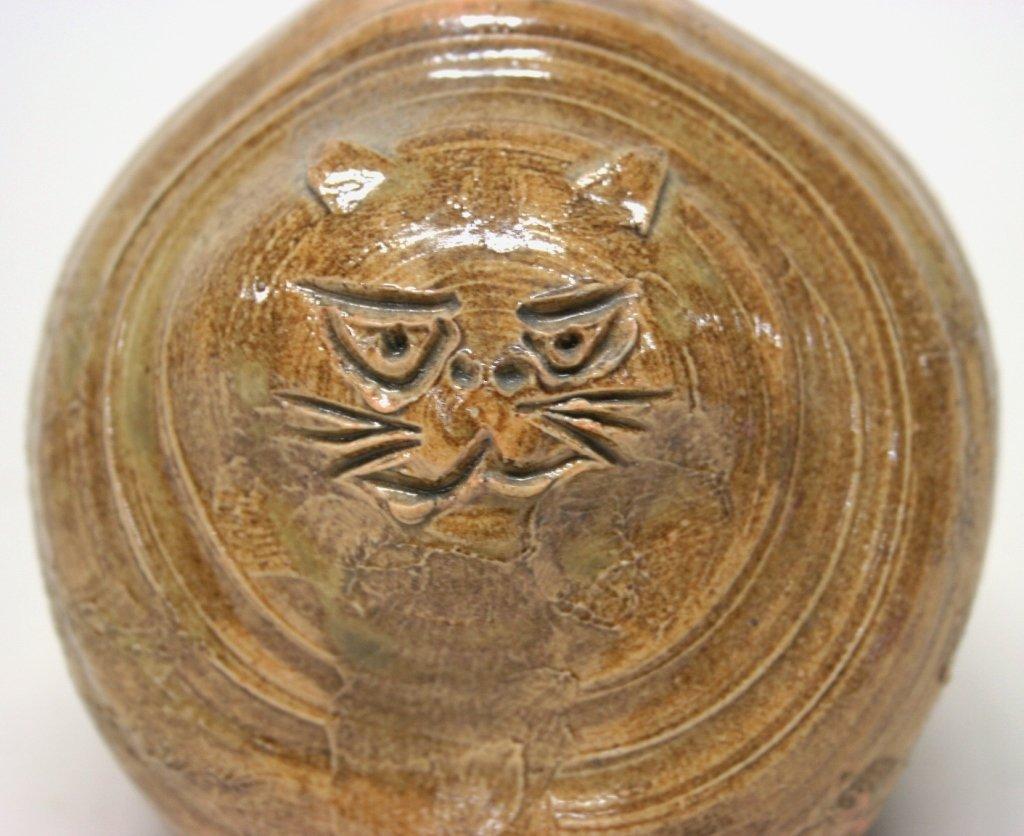 Folk Art Pottery Cat Vase. - 4