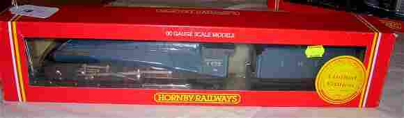 17: Hornby Railways R.528 LNER 4-6-2 Loco,