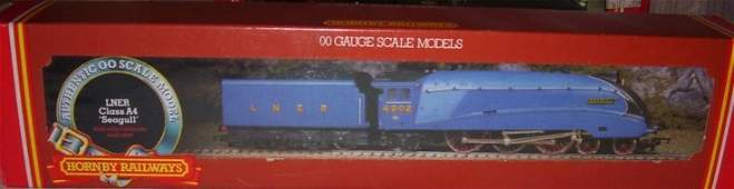 21: Hornby Railways R.372 LNER A4 Loco Seagull,