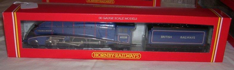 24: Hornby Railways R.294 BR 4-6-2 Loco,