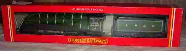 26: Hornby Railways R.313 LNER 4-6-2 Loco Golden Eagle