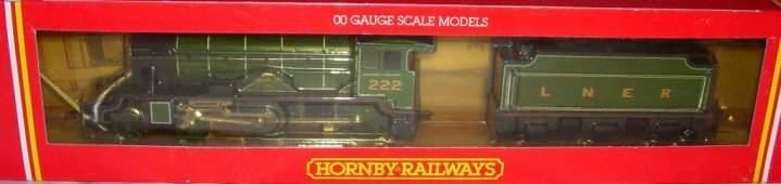 32: Hornby Railways R.123 LNER 4-4-0 Loco,