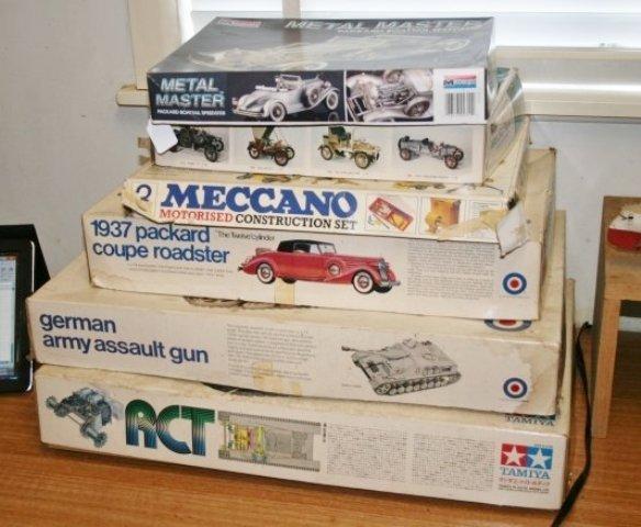 506: Vintage Meccano Motorised Construction Set,