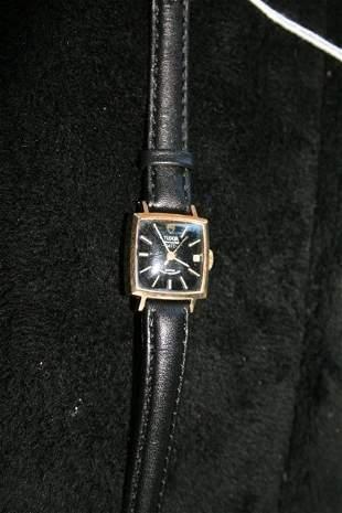 A Tudar 9 Carat Gold Ladies Watch c 1970,