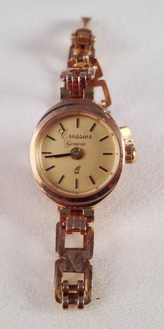A 9 Carat Crossier Ladies Watch