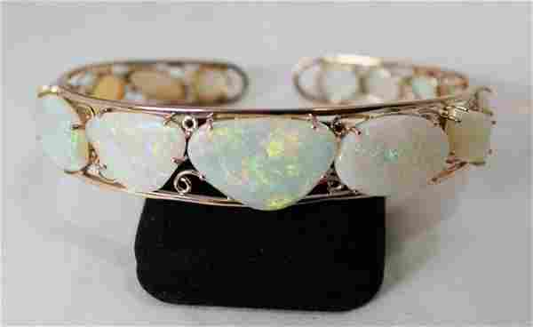An Rose Gold Opal Mounted Bracelet ,