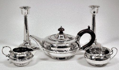 6: A George V bachelor's three piece tea service with s