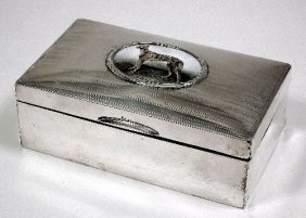 17: A George V silver domed top cigar box, the lid inse