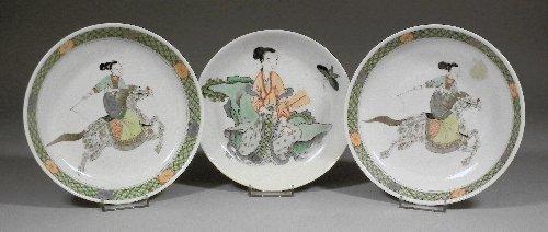 "651: A Chinese porcelain ""Famille Verte"" porcelain sauc"