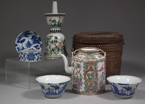 669: A Chinese 'Cantonese' porcelain cylindrical teapot