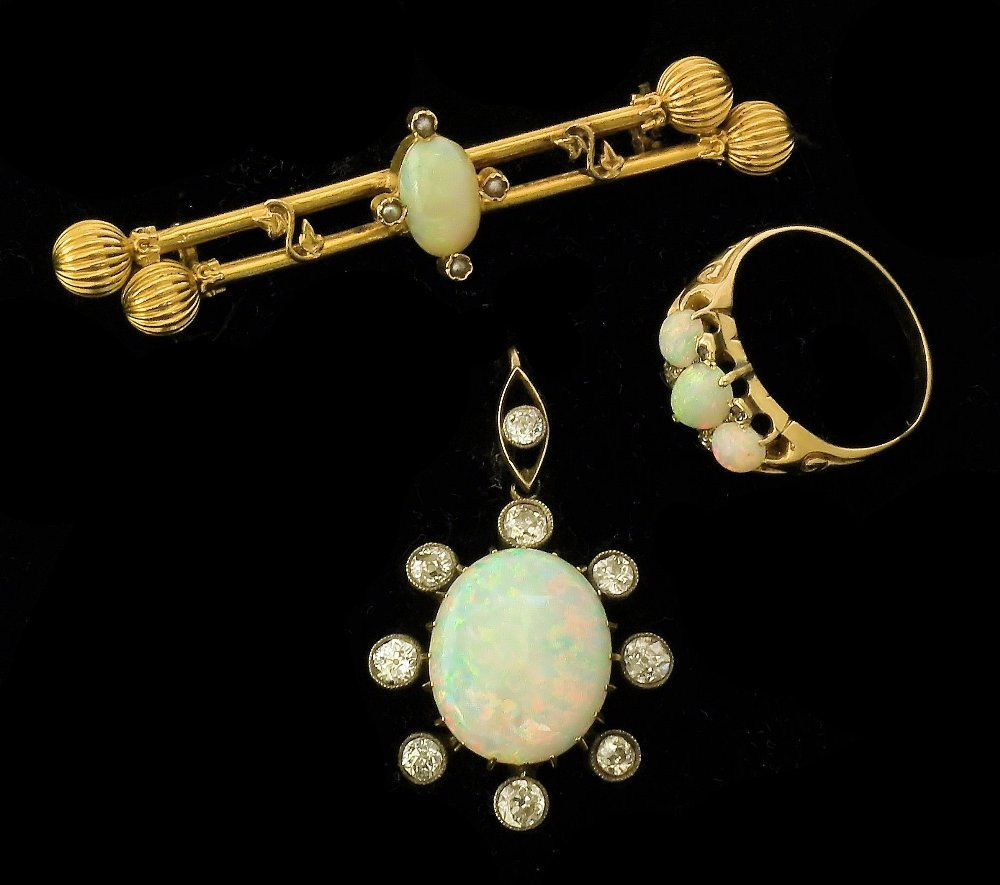 A collection of Edwardian jewellery,comprising a gold c