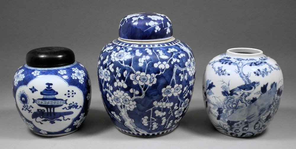 A Chinese blue and white porcelain bulbous ginger jar a