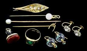 An early 20th Century gentlmans 18ct gold and emerald