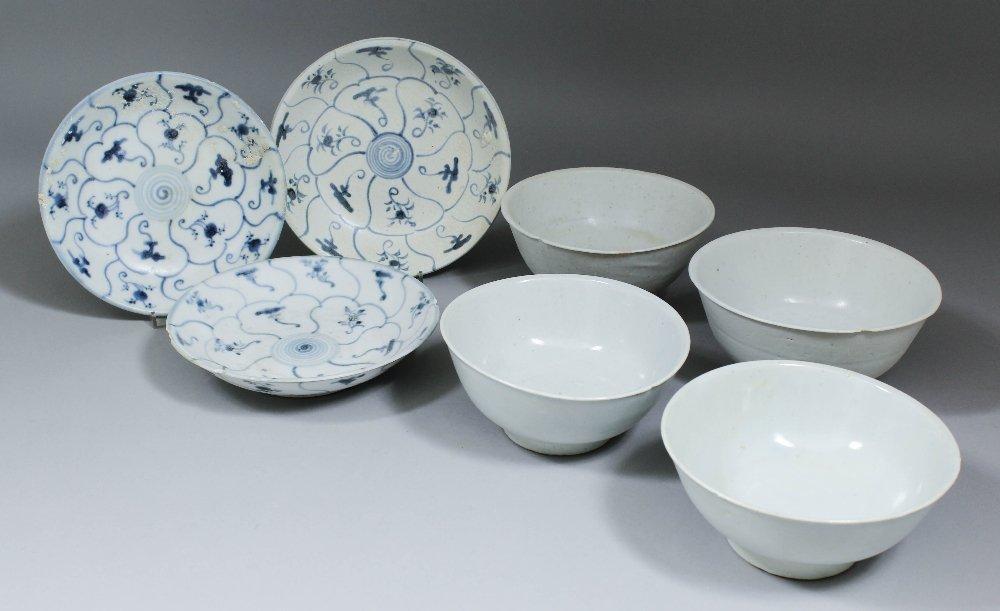 """""""Tek Sing Cargo"""" - Four porcelain circular bowls, vario"""