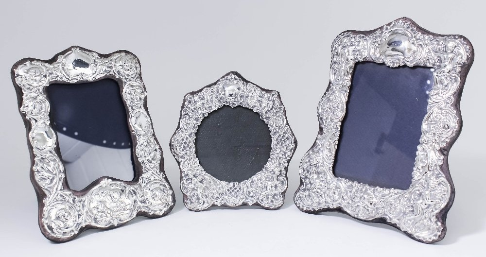 An Elizabeth II silver photograph frame of Victorian