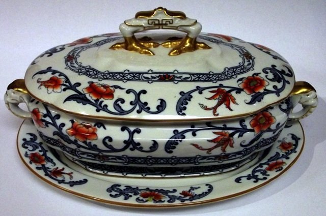 8: Late Victorian Royal Worcester tureen with gilded el