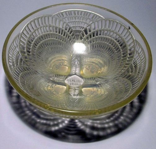 14: Lalique Coquilles bowl marked on base R. Lalique Fr