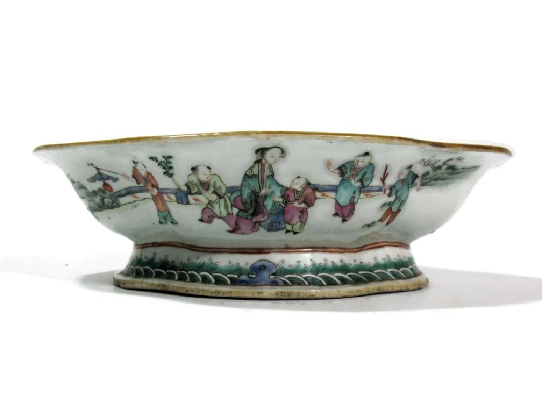 CHINESE EXPORT CERAMIC LOBED PEDESTAL BOWL
