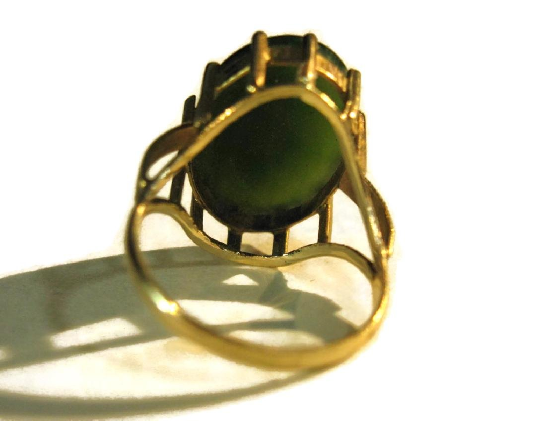 14K GOLD RING WITH GREEN JADE CABOCHON - 10