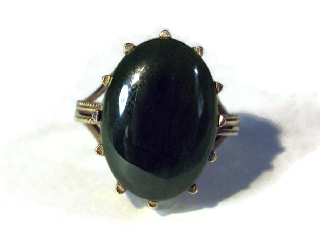 14K GOLD RING WITH GREEN JADE CABOCHON - 5