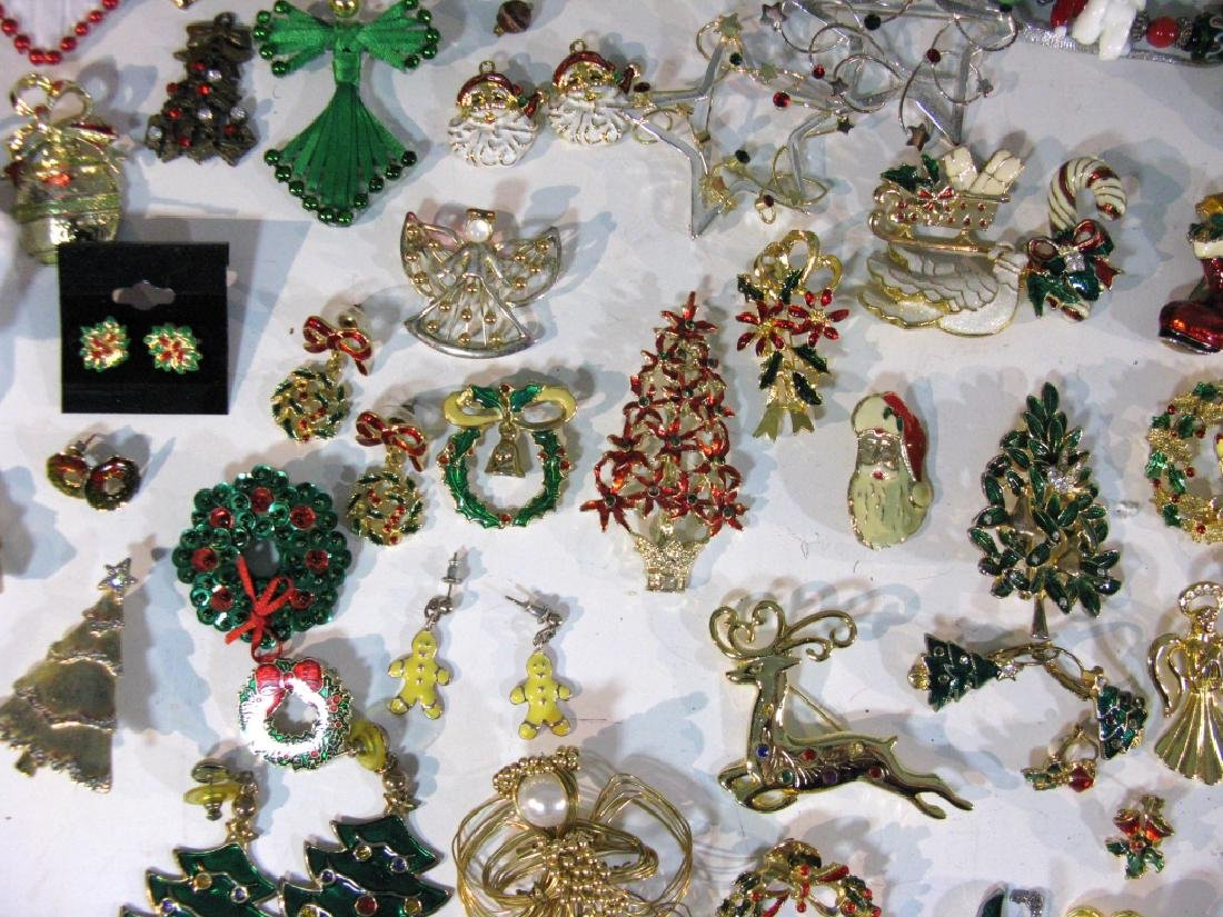 LARGE CHRISTMAS THEMED JEWELRY COLLECTION - 4