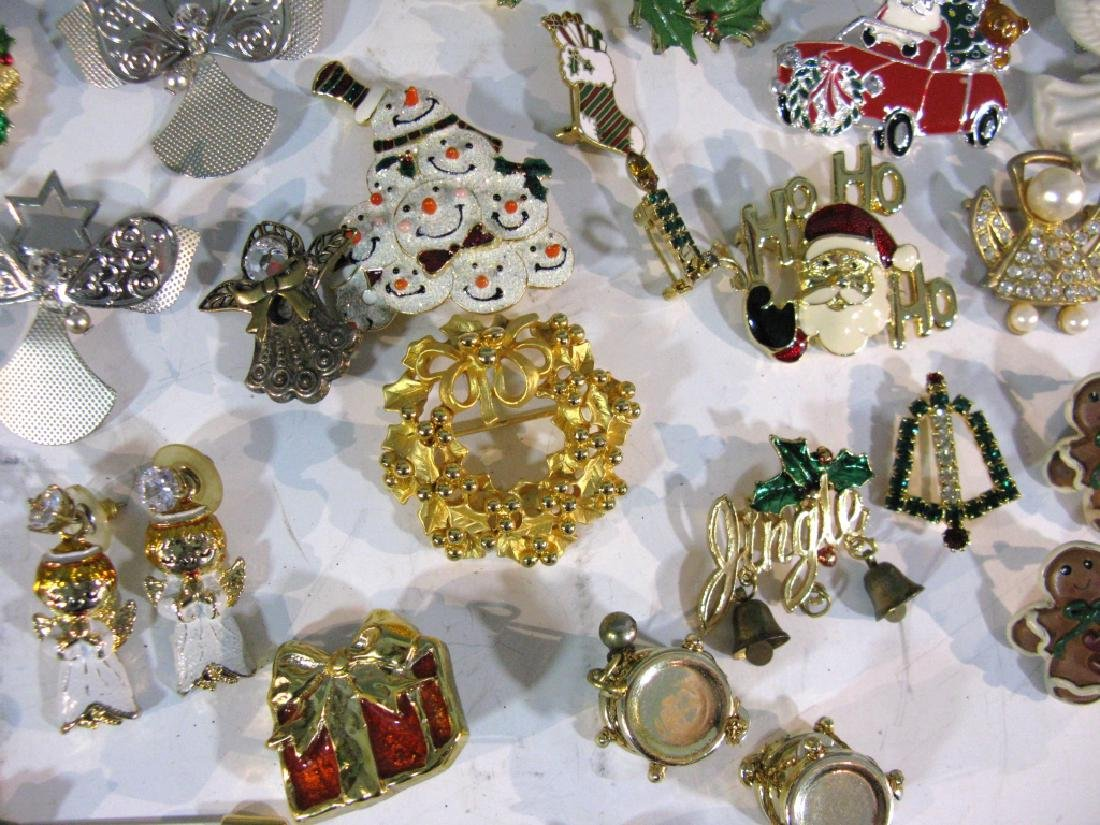 LARGE CHRISTMAS THEMED JEWELRY COLLECTION - 7