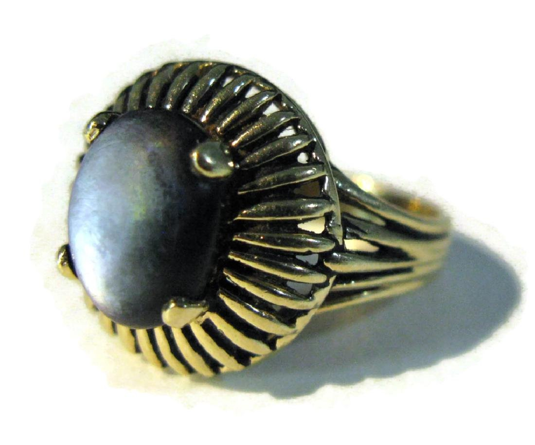 VINTAGE 14K GOLD RING WITH BLACK STAR SAPPHIRE