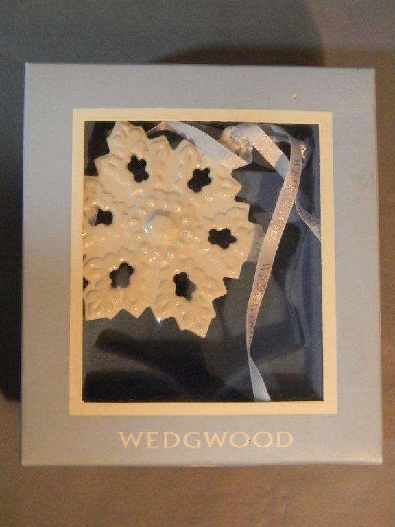 4 Waterford Lismore Bells & 4 Wedgwood Ornaments - 4