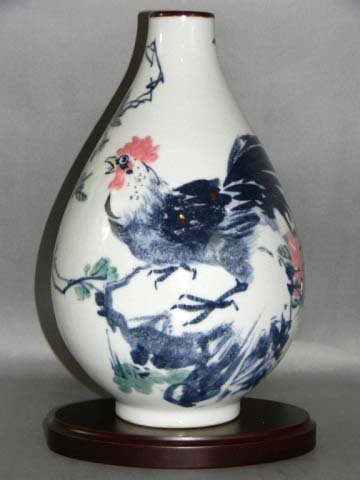 HAND PAINTED ASIAN PEAR SHAPED ROOSTER VASE