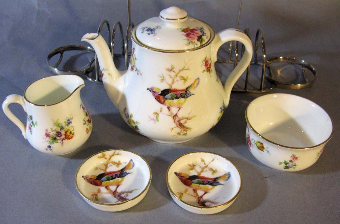 RARE AND COMPLETE ROYAL DOULTON PORCELAIN BREAKFAST SET