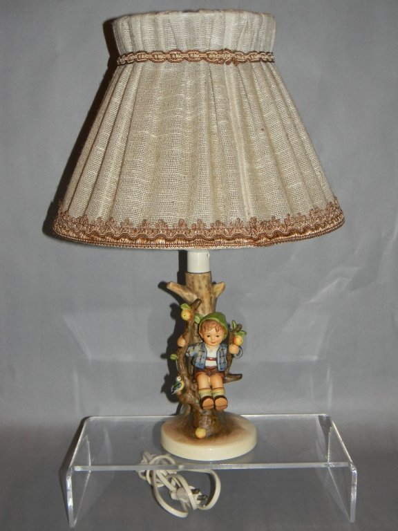 GOEBEL HUMMEL CERAMIC LAMP #230 APPLE TREE BOY