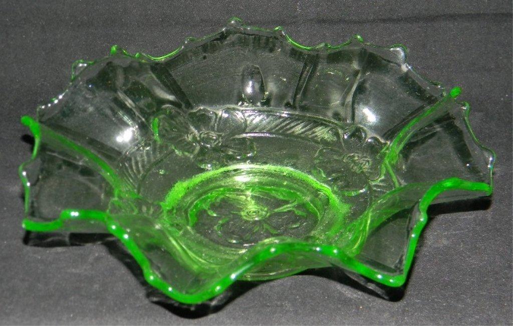 6 ANCHOR HOCKING APPLE GREEN VASELINE GLASS PLATES - 8