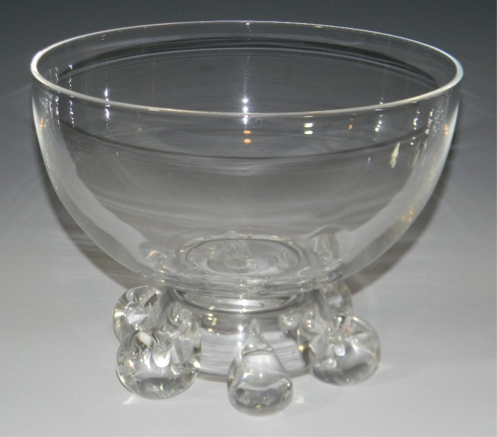 SCROLL FOOTED STEUBEN GLASS CENTER BOWL