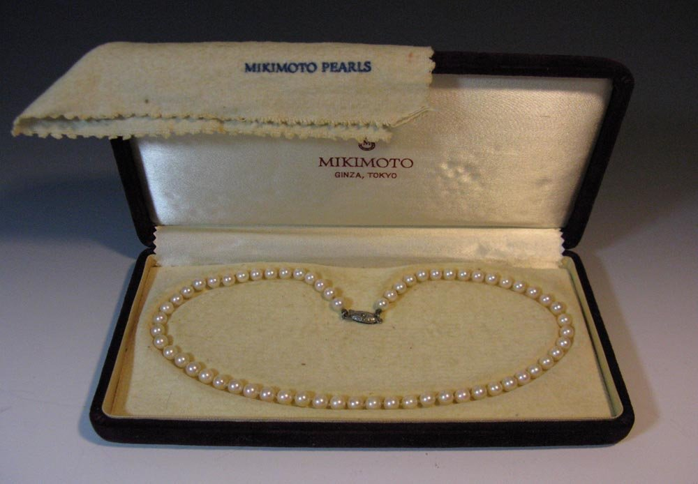 MIKIMOTO KNOTTED PEARL NECKLACE