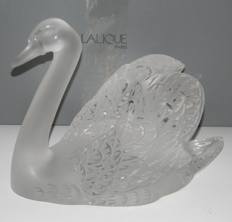 LALIQUE, FRANCE CRYSTAL SCULPTURE HEAD UP SWAN