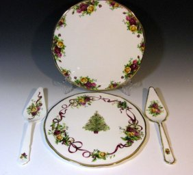 2 @ Royal Doulton Old Country Roses Servers