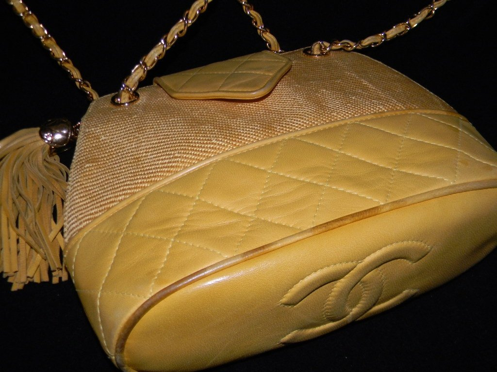 CHANEL YELLOW LEATHER STRUCTURED BUCKET BAG