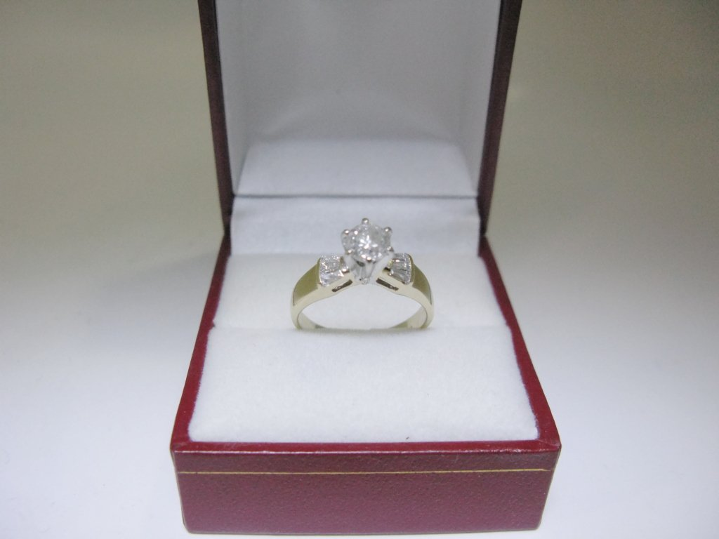 RING IN 14K GOLD & PLATINUM WITH DIAMOND SOLITAIRE