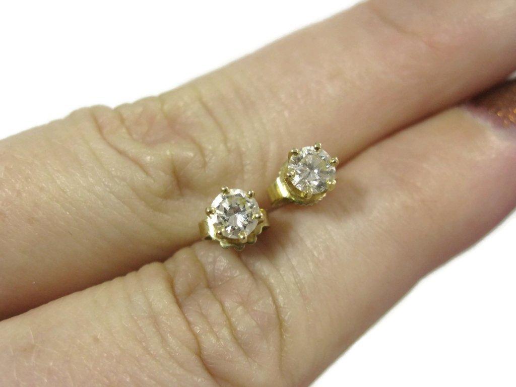 PAIR OF DIAMOND STUD EARRINGS IN 14K GOLD - 3