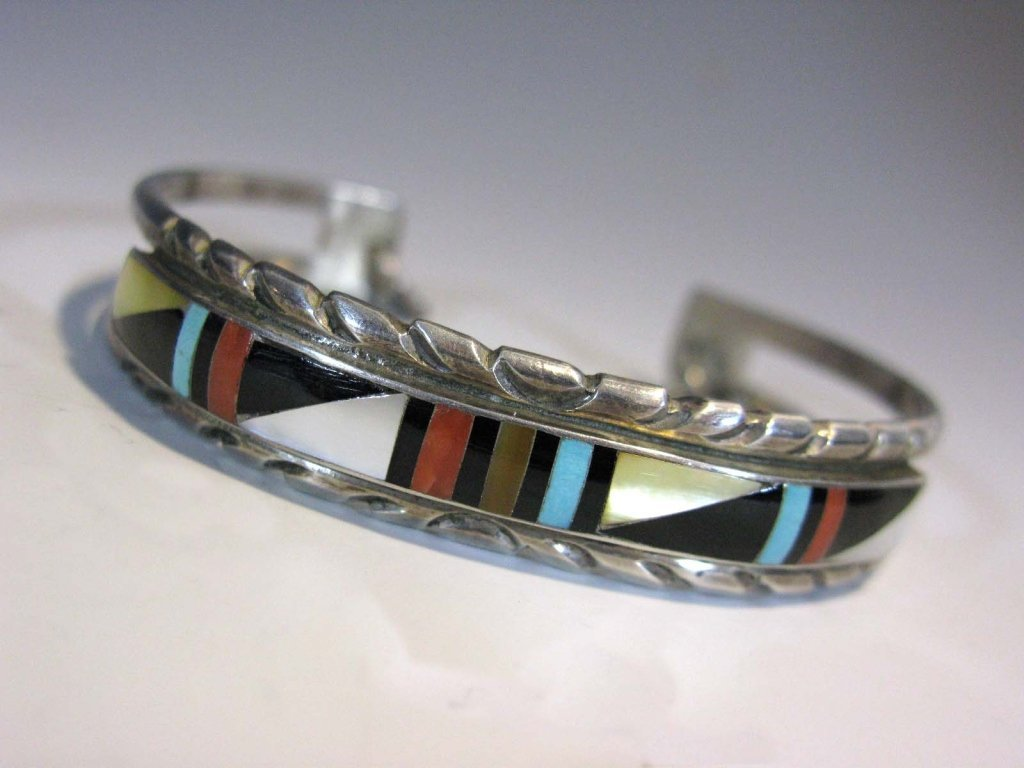 ZUNI SIGNED INLAID STERLING EARRINGS & CUFF - 3
