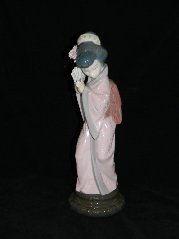 LLADRO JAPANESE GIRL 4990 LOOKING PRETTY 6688 - 2