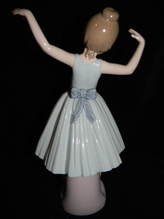 LLADRO BALLET FIRST STEP 5094 LILLY FOOTBALL 5134 - 3