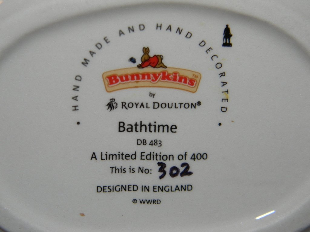 ROYAL DOULTON BUNNYKINS BATHTIME TABLEAU DB483 - 4