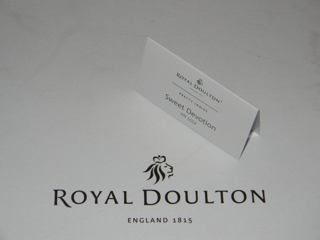ROYAL DOULTON PRETTY LADY SWEET DEVOTION HN5552 - 3