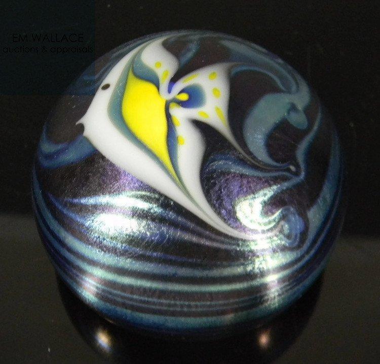 STEVE SMYERS ART GLASS PAPERWEIGHT ANGEL FISH - 2