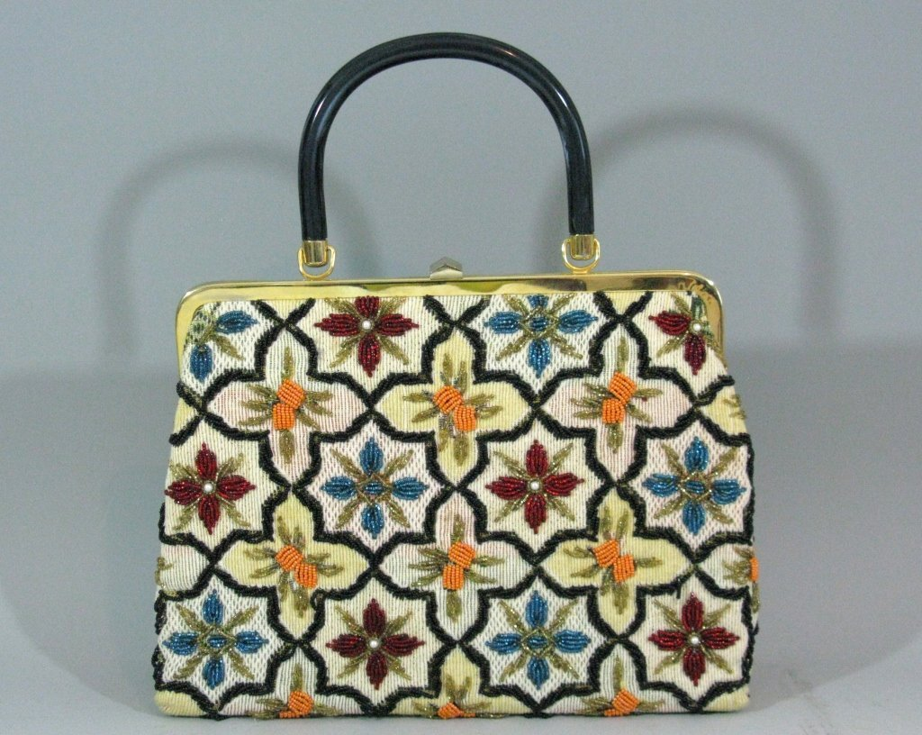 VINTAGE GLASS BEADED HAND BAG c. 1940 - 1950