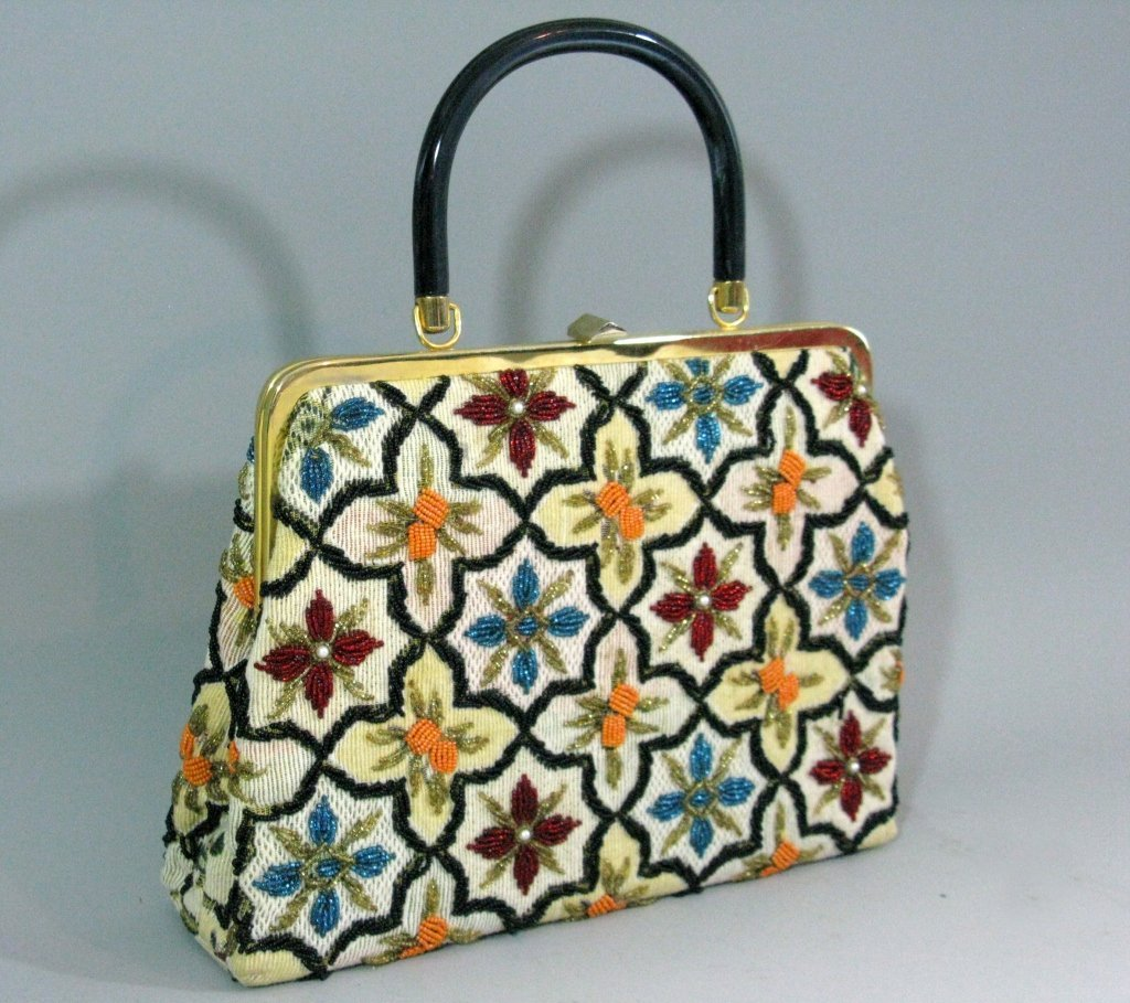 VINTAGE GLASS BEADED HAND BAG c. 1940 - 1950 - 2
