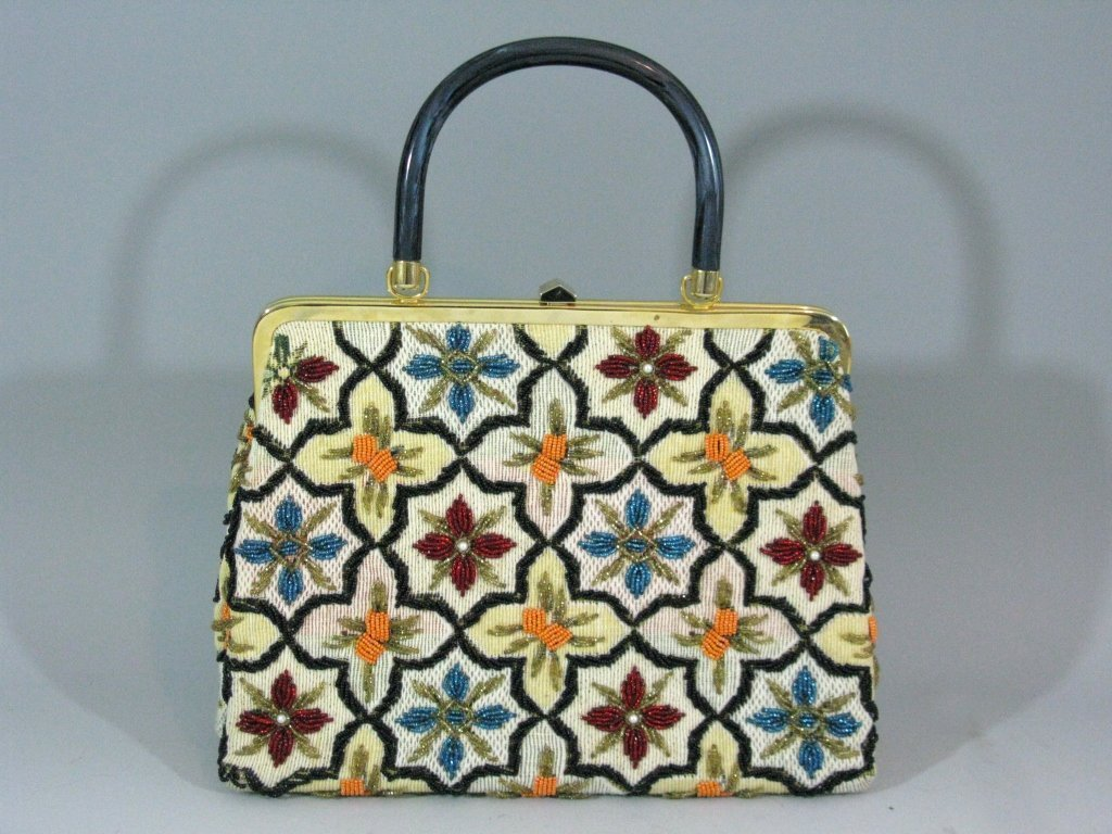 VINTAGE GLASS BEADED HAND BAG c. 1940 - 1950 - 4